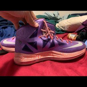 Nike Shoes - Nike lebron galaxy 10